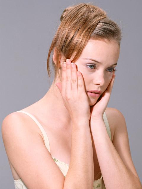 「月に一度のイライラ、頭痛や腹痛…どうにかしたい!」症状緩和には、毎朝一杯の酵素ジュースを