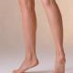 素足で過ごす 家の中で裸足 裸足女子 素足の女性